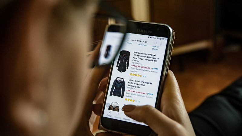 8 Smart Ways of Shopping Online Safely