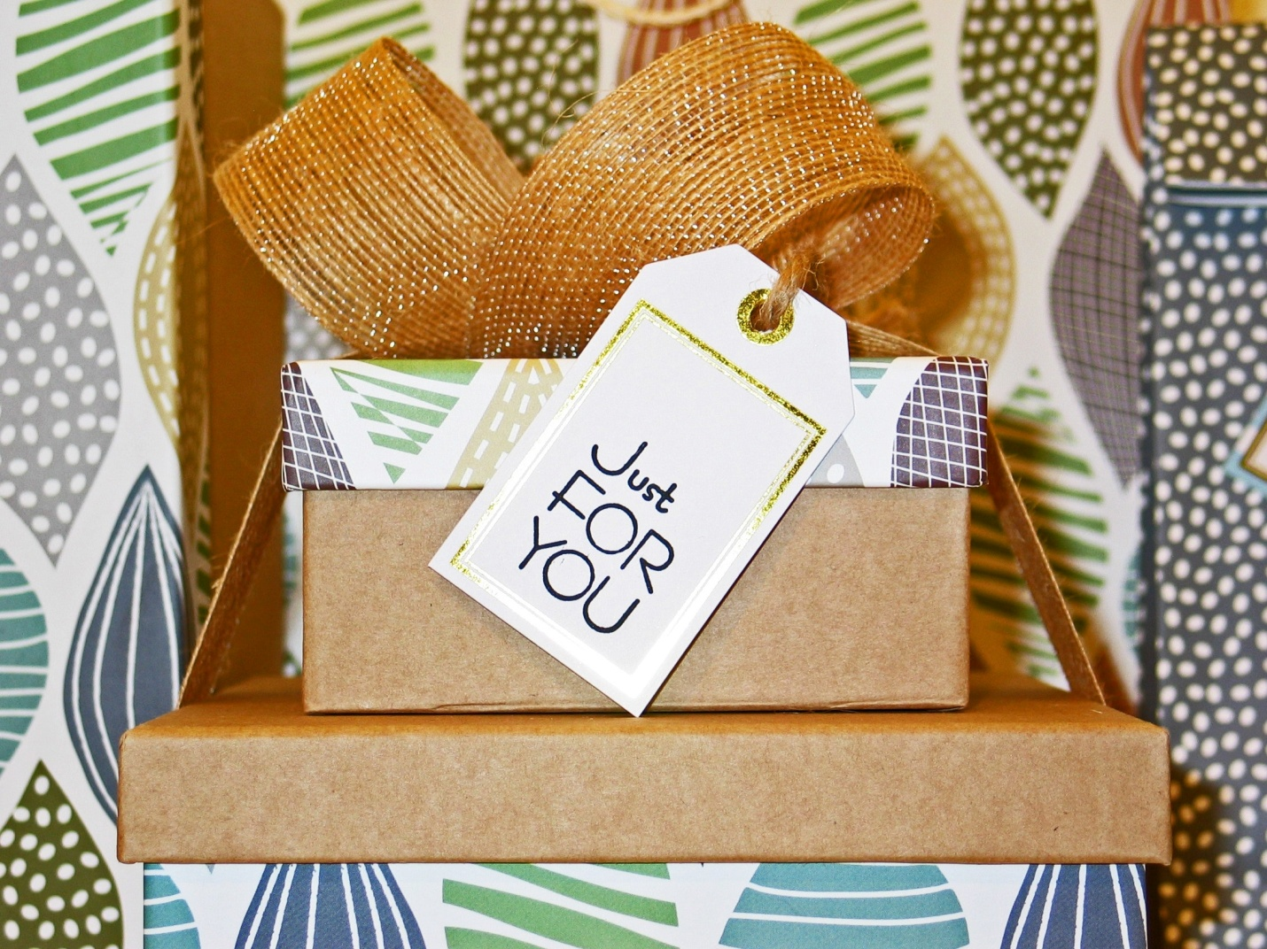 Moments and Occasions to Gift Your Husband a Blessed Gift
